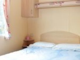 Pet Friendly Original 2 Bedroom Caravan - Image #1