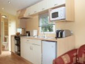 Pet Friendly Original 3 Bedroom Caravan - Image #3