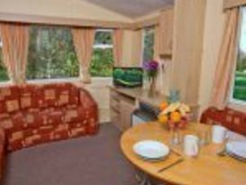 Pet Friendly Original 3 Bedroom Caravan - Image #8